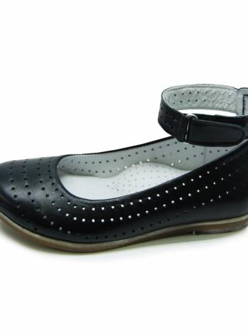 Шкіряні туфлі з перфорацією