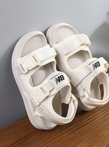 Стильные сандалии для девочки BN