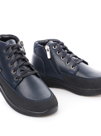 Крутые ботинки на байке